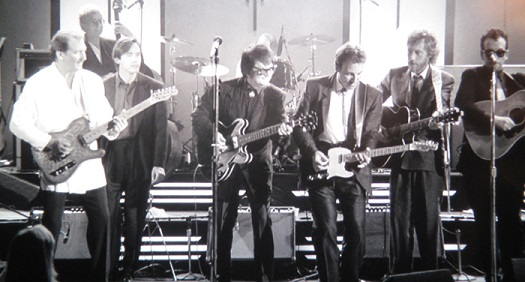 Roy Orbison and Friends: A Black and White Night (1988) – Think five guitars is enough?  Who's that guy on the left?