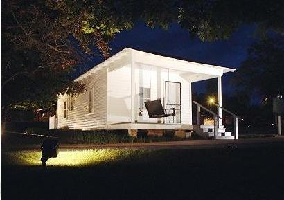 Tupelo Birthplace at Night