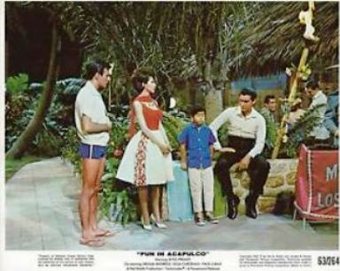 Fun in Acapulco - Lobby Card 3
