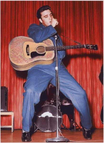 Frontier Hotel Suit - Elvis Wearing
