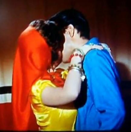 Elvis Kissing Sue Ane Langdon in Roustabout