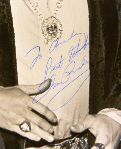 Elvis Signed Photograph From Jaycees Ten Outstanding Young Men of America Award Luncheon - Close-Up