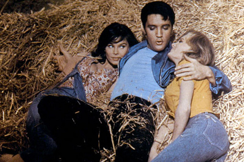 Elvis With Two Girls in Kissin Cousins