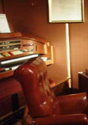 Elvis' Desk in his Bedroom suite office (2)