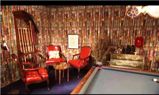 Elvis' Graceland Pool Room