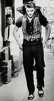 Elvis in Jazzed Up Short Sleeve