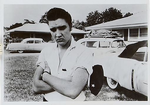 Sullen Elvis in Short Sleeve