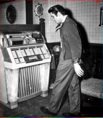 Elvis at Jukebox