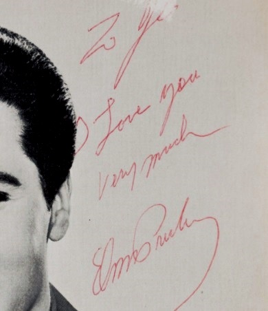 elvis-presley-signed-black-and-white-photograph-close-up