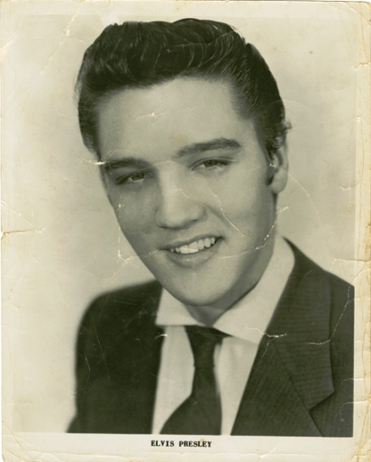 elvis-presley-signed-early-promotional-photo