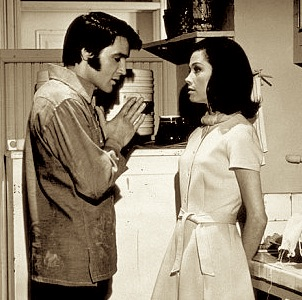 Elvis and Mary Tyler Moore in Change of Habit 6