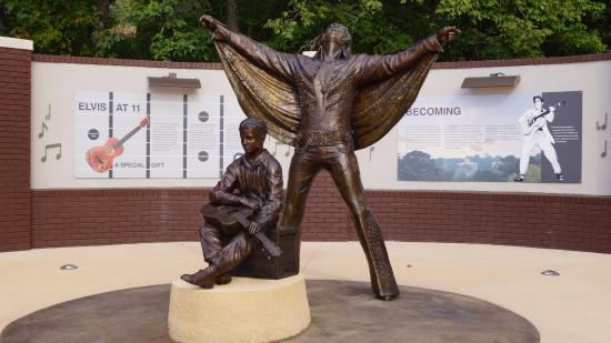 Two new Elvis Statues in Tupelo