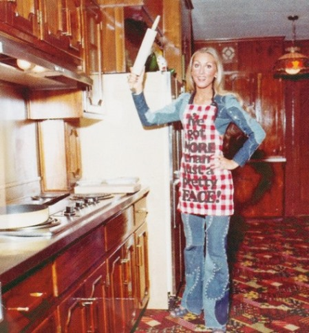 Linda Thompson in Graceland Kitchen
