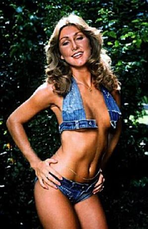 Linda Thompson wearing Skimpy Denim