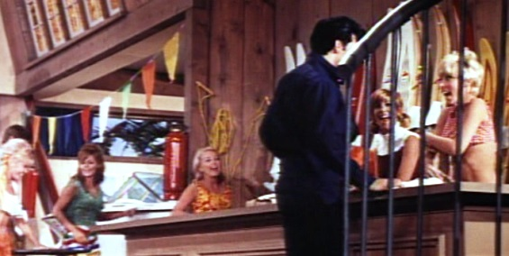Elvis Kissing girls down the line in Clambake