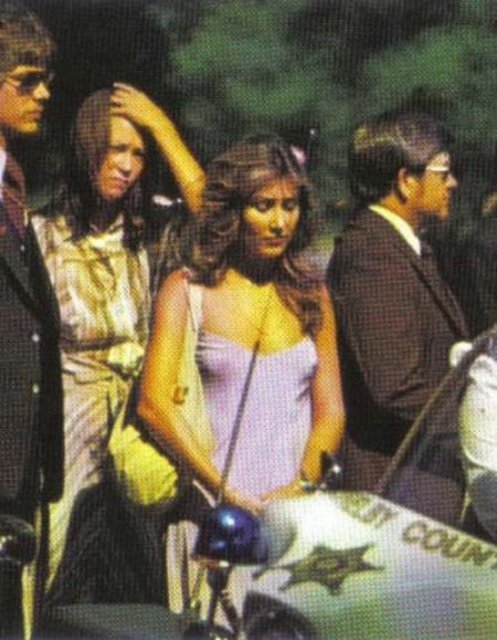 Linda Thompson at Elvis' funeral She wore THAT