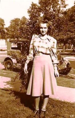 1942 Norma Jeane Mortenson Before She Became Marilyn Monroe