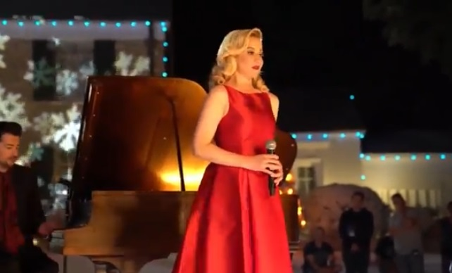 Kellie Pickler in Scene from the Christmas in Graceland