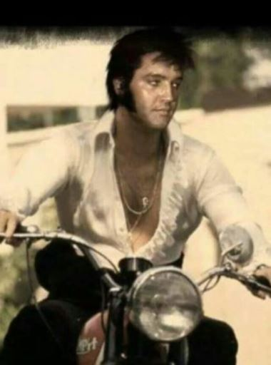 Elvis on Motorcycle Phottoshopped on Warren Beaty Photo
