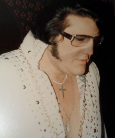 Johnny Harra as Older Elvis