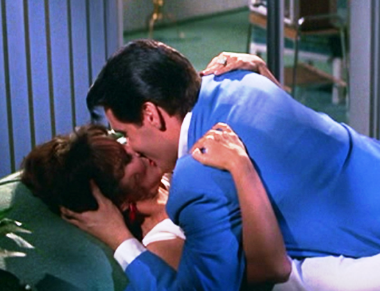 Elvis Kissing Mary Ann Mobley - Girl Happy 3