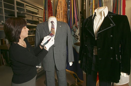Noxon's and Elvis' Suits on Display 2007 Nixon Museum