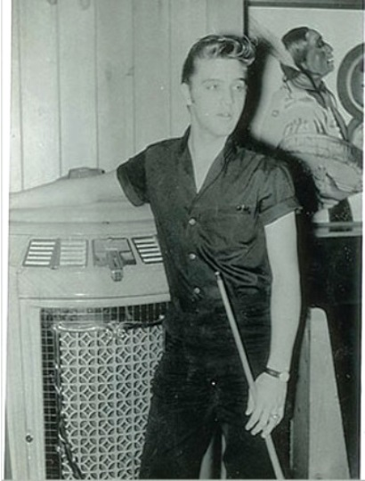 Elvis in front of Jukebox - Warrior Hotel, Sioux City, Iowa, May 23, 1956