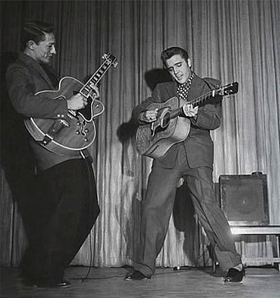 Elvis in Frontier Hotel Suit