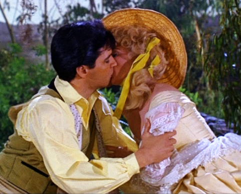Elvis Kissing Donna Douglas in Dream in Frankie and Johnny
